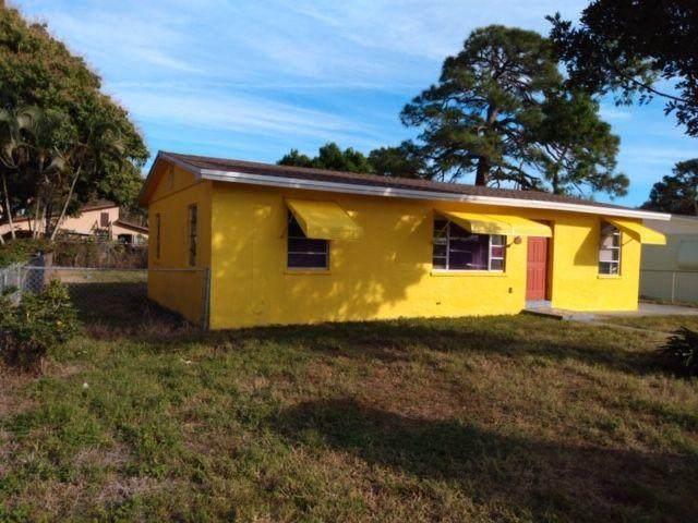 3220 W Lake W Drive, Fort Pierce, FL 34950 (#RX-10636435) :: Ryan Jennings Group