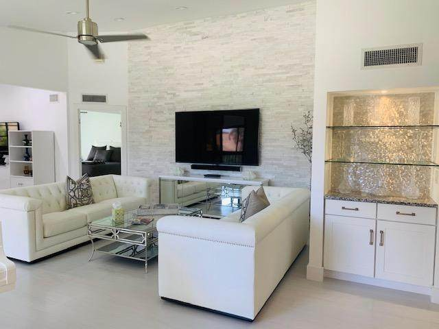 7465 Glendevon Lane #1205, Delray Beach, FL 33446 (MLS #RX-10636794) :: Berkshire Hathaway HomeServices EWM Realty