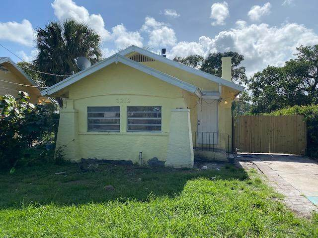 3219 Pinewood Avenue, West Palm Beach, FL 33407 (#RX-10637170) :: Manes Realty Group