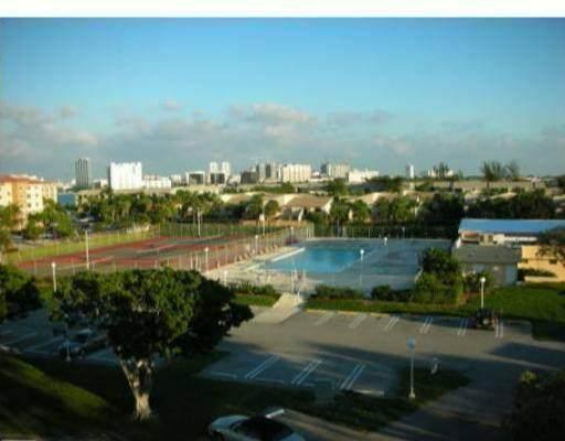 470 Executive Center Drive 4-M, West Palm Beach, FL 33401 (MLS #RX-10637392) :: Berkshire Hathaway HomeServices EWM Realty