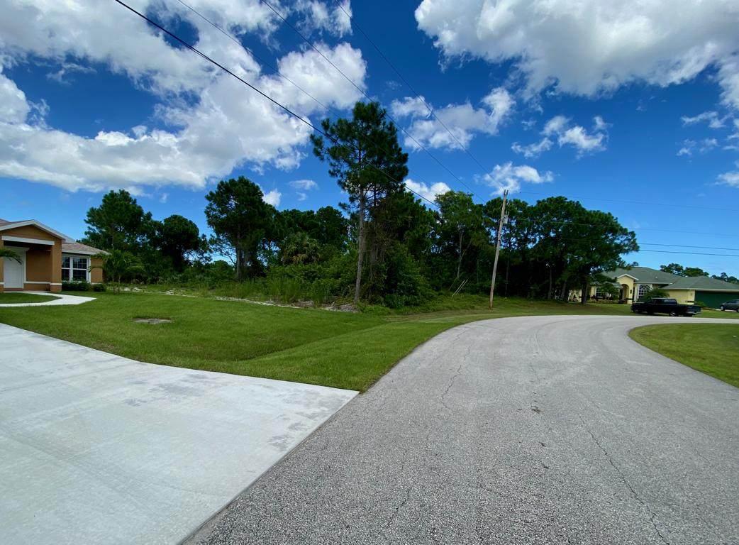 6139 East Deville Circle - Photo 1