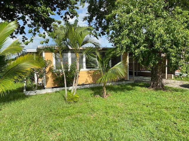 301 Fleming Avenue, Greenacres, FL 33463 (#RX-10650999) :: The Rizzuto Woodman Team