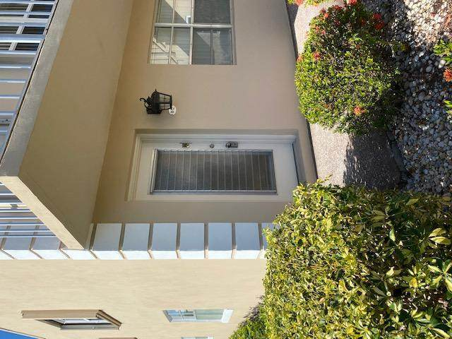 72 Burgundy B B, Delray Beach, FL 33484 (MLS #RX-10652937) :: Berkshire Hathaway HomeServices EWM Realty