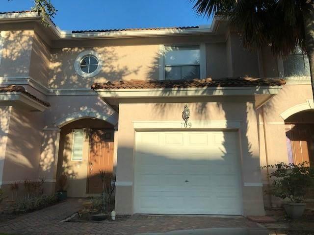 709 Seminole Palms Drive - Photo 1