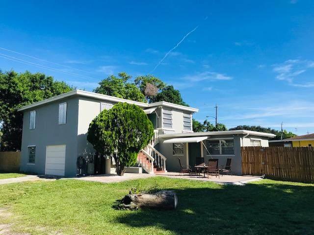 730 Lynnwood Drive, Lake Worth, FL 33461 (#RX-10653993) :: The Rizzuto Woodman Team