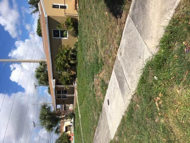939 35th Street, West Palm Beach, FL 33407 (#RX-10654991) :: The Rizzuto Woodman Team