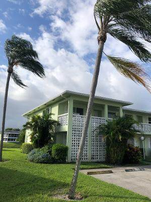 2820 SW 13th Street #202, Delray Beach, FL 33445 (#RX-10657860) :: Ryan Jennings Group