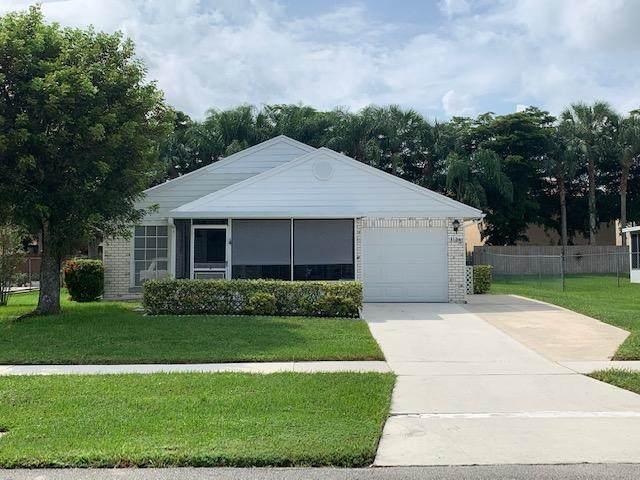 1136 Grandview Circle, Royal Palm Beach, FL 33411 (MLS #RX-10658354) :: The Jack Coden Group