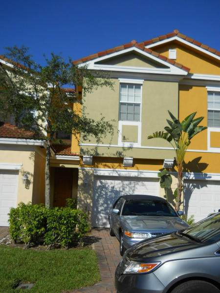 876 Pipers Cay Drive - Photo 1