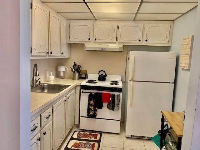240 Brighton F, Boca Raton, FL 33434 (MLS #RX-10664307) :: Berkshire Hathaway HomeServices EWM Realty