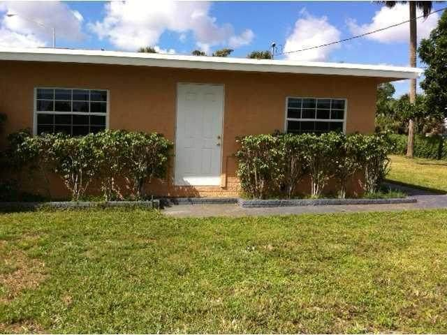 85 2nd Street, West Palm Beach, FL 33413 (MLS #RX-10665582) :: THE BANNON GROUP at RE/MAX CONSULTANTS REALTY I