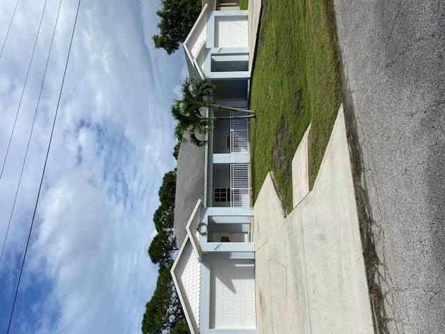 5771 SE Wesley Avenue 5771-5775, Stuart, FL 34997 (#RX-10665873) :: The Rizzuto Woodman Team