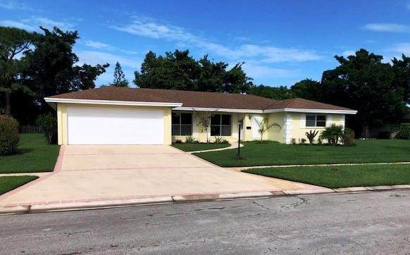 2980 SE San Jeronimo Road, Port Saint Lucie, FL 34952 (#RX-10665953) :: Signature International Real Estate