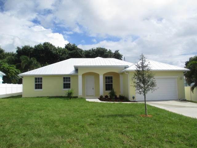 1623 NE Arch Avenue, Jensen Beach, FL 34957 (#RX-10666086) :: The Power of 2 Group | Century 21 Tenace Realty