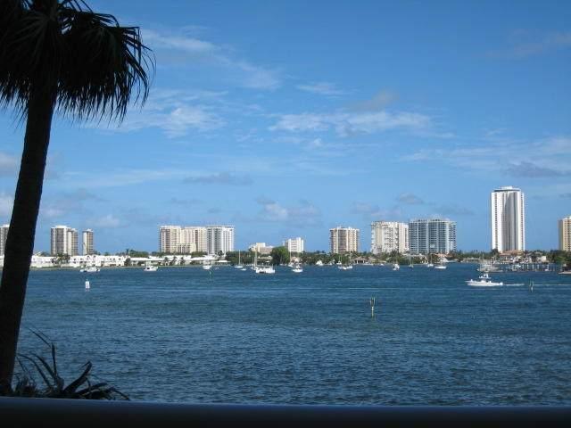 2640 Lake Shore Drive #307, Riviera Beach, FL 33404 (#RX-10666809) :: Posh Properties