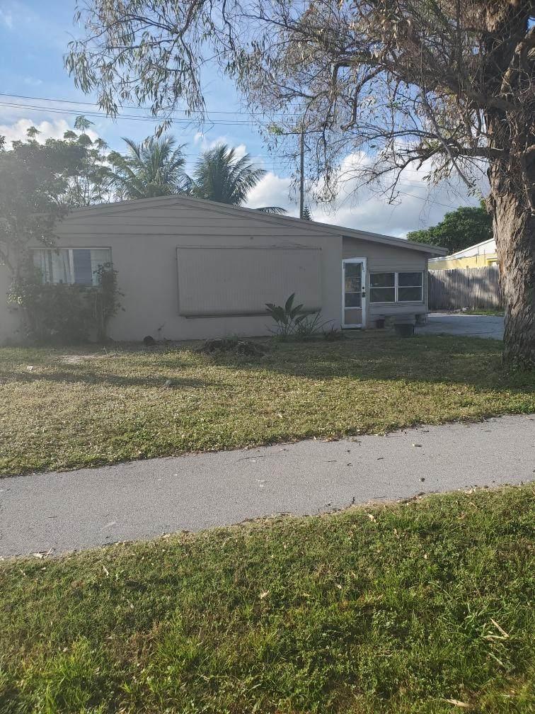 467 Seminole Drive - Photo 1