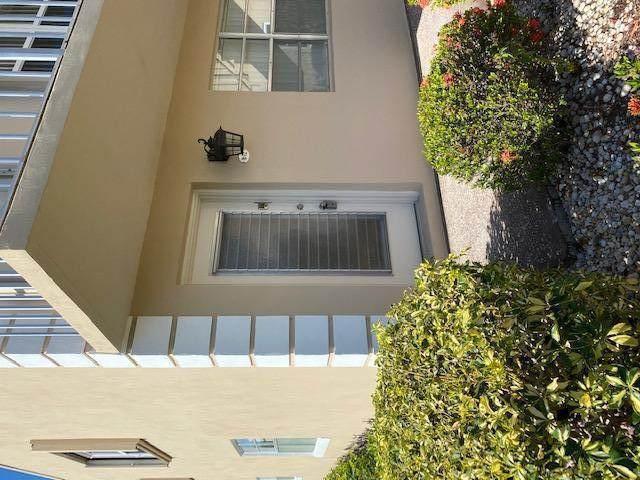 72 Burgundy B B, Delray Beach, FL 33484 (#RX-10679869) :: Signature International Real Estate