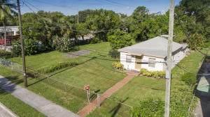 10 SW 4th Avenue, Delray Beach, FL 33444 (MLS #RX-10680544) :: Castelli Real Estate Services