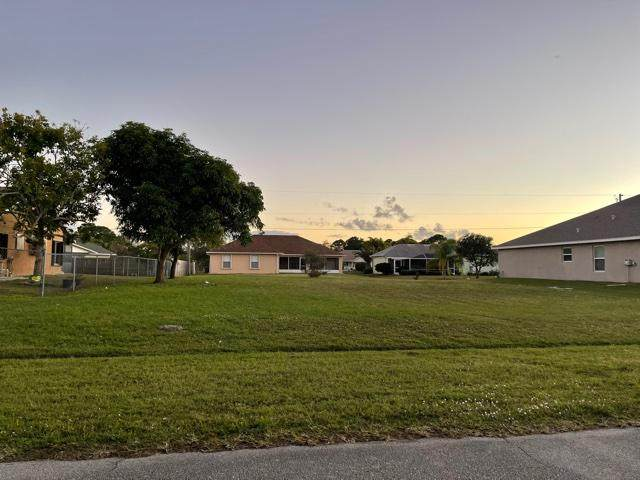 408 SW Ewing Avenue, Port Saint Lucie, FL 34983 (MLS #RX-10682256) :: Miami Villa Group