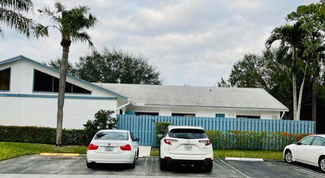 404 Timberlane Circle, Greenacres, FL 33463 (MLS #RX-10684614) :: Berkshire Hathaway HomeServices EWM Realty