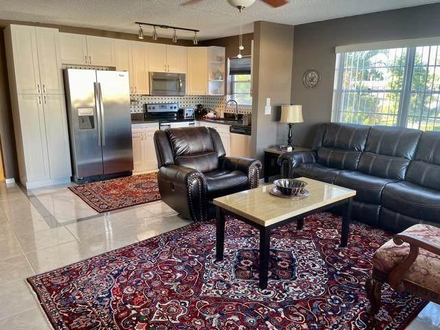 412 Chatham T, West Palm Beach, FL 33417 (#RX-10685054) :: Posh Properties