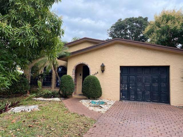 2598 NE 4th Court, Boca Raton, FL 33431 (MLS #RX-10685361) :: Dalton Wade Real Estate Group