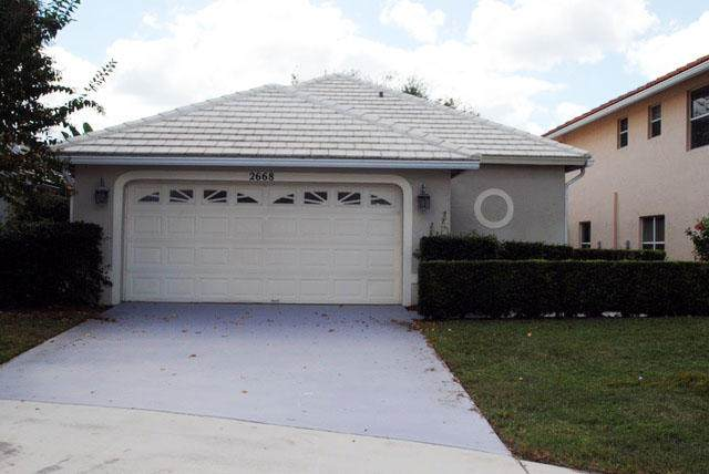 2668 Country Golf Drive, Wellington, FL 33414 (#RX-10685516) :: Ryan Jennings Group