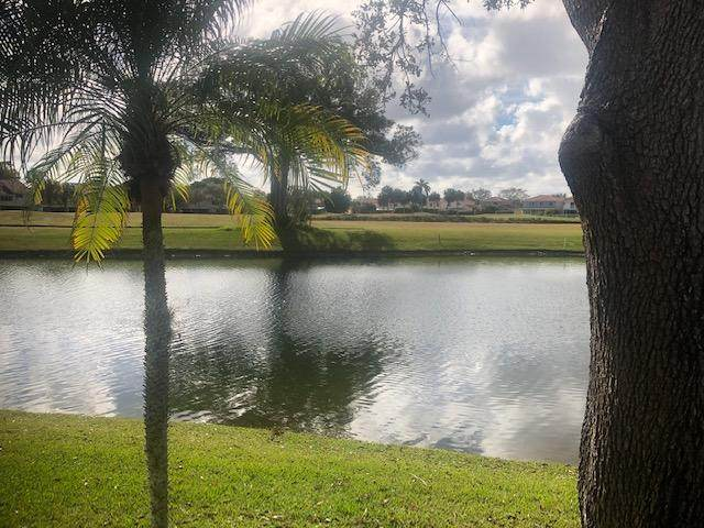 7504 Pinewalk Drive S #101, Margate, FL 33063 (MLS #RX-10691265) :: Berkshire Hathaway HomeServices EWM Realty