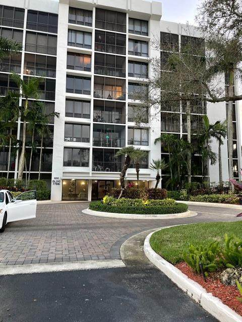 7786 Lakeside Boulevard #651, Boca Raton, FL 33434 (#RX-10693535) :: Signature International Real Estate