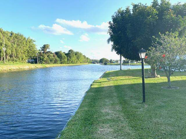 1393 SW 17th Avenue, Boynton Beach, FL 33426 (MLS #RX-10696903) :: Castelli Real Estate Services