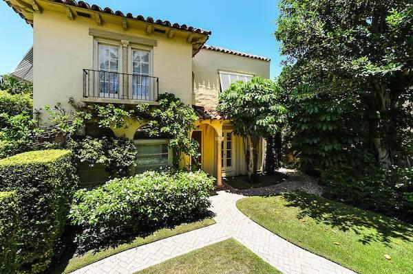 215 Seaspray Avenue, Palm Beach, FL 33480 (MLS #RX-10697078) :: Berkshire Hathaway HomeServices EWM Realty