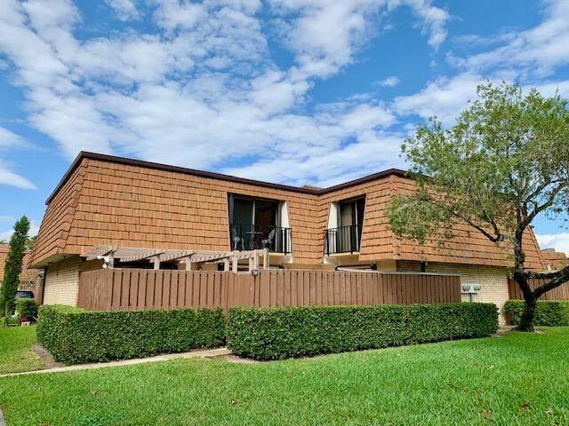 704 7th Lane, Greenacres, FL 33463 (MLS #RX-10697131) :: Castelli Real Estate Services