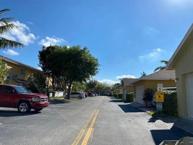 422 W Bloxham Street, Lantana, FL 33462 (MLS #RX-10697438) :: Berkshire Hathaway HomeServices EWM Realty