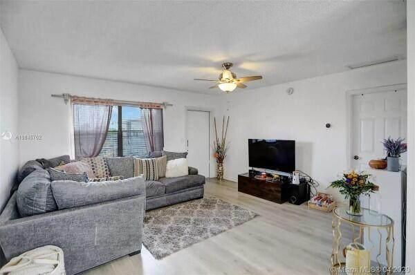 609 NE 13th Avenue #402, Fort Lauderdale, FL 33304 (#RX-10698808) :: The Rizzuto Woodman Team