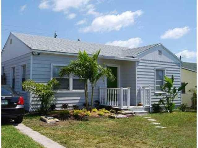 1604 13th Avenue N, Lake Worth, FL 33460 (#RX-10702224) :: The Reynolds Team | Compass