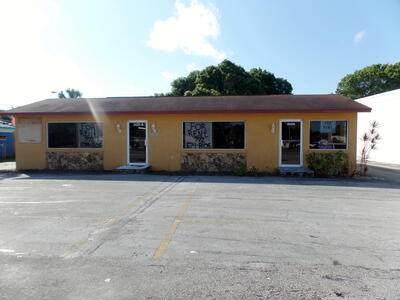 2425 Okeechobee Road, Fort Pierce, FL 34950 (#RX-10702627) :: Posh Properties