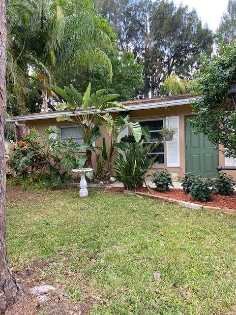 2348 NW Camellia Avenue, Stuart, FL 34994 (MLS #RX-10703172) :: The Paiz Group