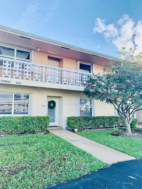 1810 NW 18th Street #103, Delray Beach, FL 33445 (#RX-10703370) :: The Rizzuto Woodman Team