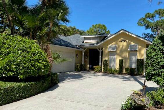1000 Carolina Circle SW, Vero Beach, FL 32962 (#RX-10705967) :: Real Treasure Coast