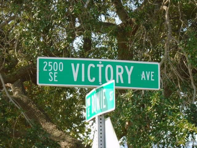 2585 SE Victory Avenue, Port Saint Lucie, FL 34952 (#RX-10707816) :: Dalton Wade