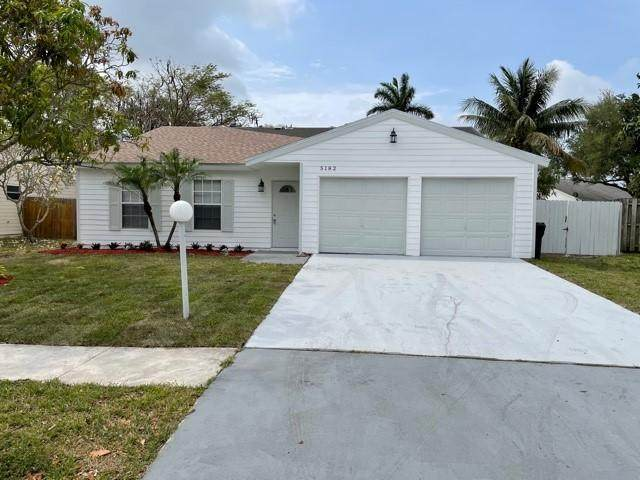 5182 Canal Circle S, Lake Worth, FL 33467 (#RX-10710470) :: The Reynolds Team | Compass