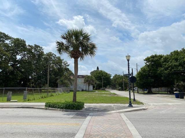438 N 11th Street, Fort Pierce, FL 34950 (#RX-10710811) :: Posh Properties