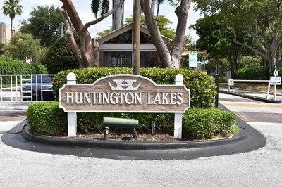 7145 Huntington Lane #303, Delray Beach, FL 33446 (#RX-10712514) :: Ryan Jennings Group
