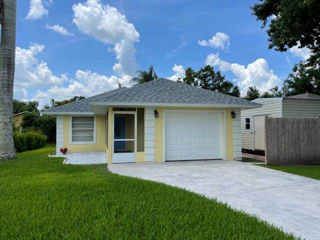 2825 1st Place, Vero Beach, FL 32968 (MLS #RX-10714485) :: United Realty Group