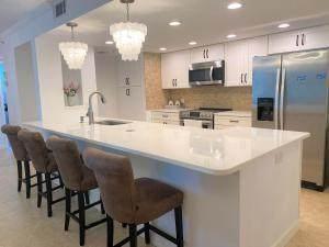 1915 Lavers Circle E109, Delray Beach, FL 33444 (#RX-10715899) :: Treasure Property Group
