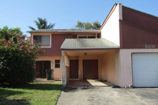 5030 NW 5th Street, Delray Beach, FL 33445 (#RX-10716112) :: Posh Properties