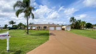 891 SE Seahouse Drive, Port Saint Lucie, FL 34983 (#RX-10716925) :: DO Homes Group