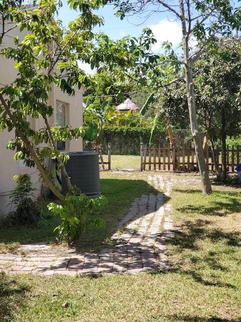 4339 Cocoanut Rd Road - Photo 1
