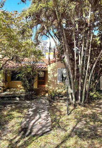 649 NE 117th Street, Biscayne Park, FL 33161 (MLS #RX-10723594) :: Dalton Wade Real Estate Group