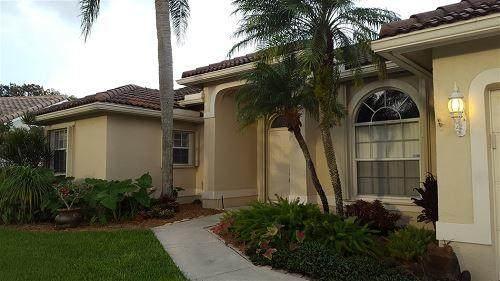 1456 SW 98th Lane, Davie, FL 33324 (MLS #RX-10724175) :: The Paiz Group